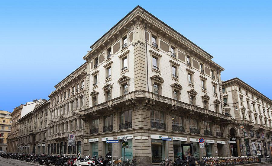 The prime offices in Milan face Via Armorari and Via Cantù