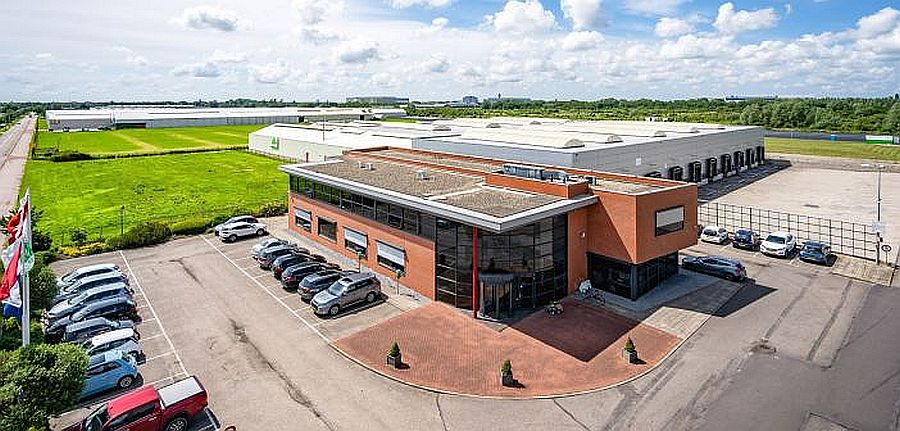 Cabot Properties, Inc. has bought a warehouse at Rietwijkeroordweg 67 in Aalsmeer, from Bog Madsen Beheer B.V.